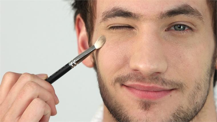 How To Deal With Skin Puffiness With Men's Makeup