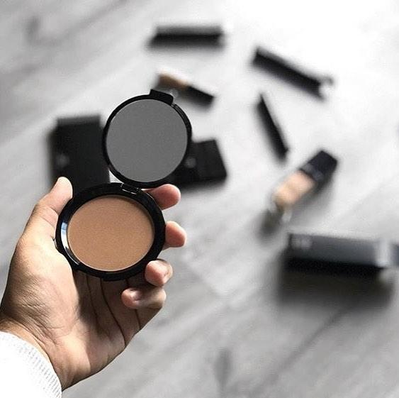 How To Apply Men's Pressed Powders
